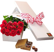 12 Red Roses and Chocolates Valentines