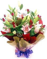12 Long Roses and Oriental Lily Bouquet